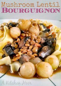 A Kitchen Hoors Adventures | #MeatlessMonday Mushroom Lentil Bourguignon