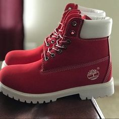 Timberland Boots, an American Icon ~ Fashion & Style Red Sneakers, Sneakers Fashion, Fashion Shoes, Fashion Fall, Hijab Fashion, Fashion Trends, Yellow Boots, White Boots, Grunge Style