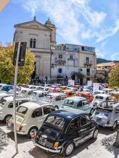 In 130 Cinquecento a Chiaramonte Gulfi! Fiat 500 Car, Fiat 126, Fiat Cars, Fiat Cinquecento, Fiat Abarth, Fiat 500e, My Dream Car, Dream Cars, Automobile