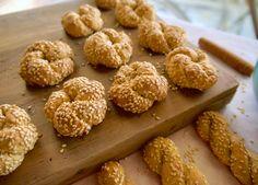Νηστίσιμα, κλασικά κουλουράκια κανέλας με πορτοκάλι και σουσάμι Muffins, Cereal, Vegan, Cookies, Breakfast, Cake, Food, Crack Crackers, Morning Coffee