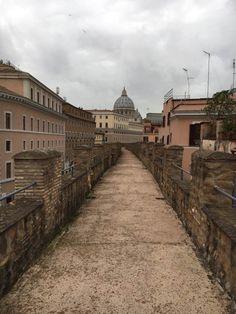 Calle de Guidad del Vaticano (Wall from Vatican City to Castel Sant'Angelo)