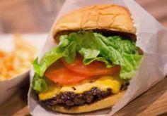 Comer proteína e comida salgada ao almoço pode dificultar-lhe a vida
