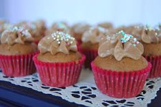 Mini Cupcakes, Birthday Parties, Gluten Free, Desserts, Recipes, Food, Bakken, Anniversary Parties, Glutenfree