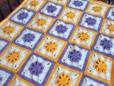 Ravelry: Flower Granny Square pattern by Silja Devine