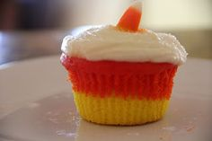 Mix and Match Mama: Candy Corn Cupcakes