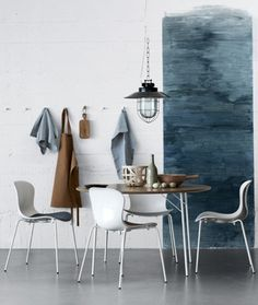 Scandinavian interior. Cool colors with a brown touch. Love the painting: DIY!