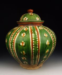Tang Dynasty Tri-colored Pottery Pot With Stitched Football Pattern Tang Dynasty Culture,Tang Dynasty Arts,Tang Dynasty Antiquesa,Tang Dynas...