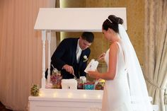 14 fab foodie ideas that will be a big hit with wedding guests!