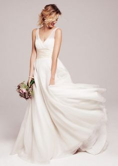 Pretty Spring Wedding Dress - Wedding inspirations