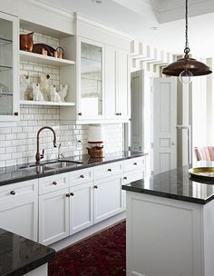 New Kitchen Backsplash With White Cabinets Glass Open Shelves 59 Ideas Condo Kitchen, New Kitchen, Kitchen Remodel, Kitchen Grey, Kitchen Ideas, Black Counter Top Kitchen, Classic White Kitchen, Timeless Kitchen, Kitchen Decor