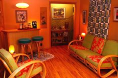 """I want this living room! [""""Jon's Tiki Themed Room"""" from Apartment Therapy] Tiki Decor, Surf Decor, Vintage Tiki, Vintage Room, Tiki Lounge, Tiki Room, Oldschool, Rattan Furniture, Lounge Furniture"""