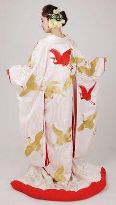 Uchikake, the Another Wedding Kimono @ tokyopic.com, click for more photos!