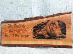 Nature: Ruw houten wandbord King of the Jungle | Karin's Deco Atelier