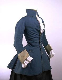 This was a men's riding jacket that also started to be worn by women. It has a narrow collar attached at the back of the neck. Source: The Victoria and Albert Museum Date: Place of Origin: England, Great Britain 18th Century Dress, 18th Century Costume, 18th Century Clothing, 18th Century Fashion, 18th Century Stays, Vintage Outfits, Vintage Dresses, Vintage Fashion, Antique Clothing