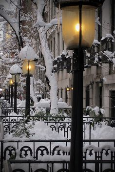 Beautifulness of winter. Snow Lanterns, West Village, New York City photo via lara Winter Szenen, I Love Winter, Winter Magic, Winter Time, Winter Christmas, Winter Night, Christmas Time, Winter Walk, Winter Passing