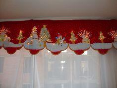 cenefa navideña pintada a mano sobre gamuza hecho por Lorena Blandon Raigoza!