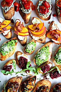 5 easy recipes for toasted crostini made with French baguette slices, buttered and broiled. Recipe for roasted red pepper tomato and basil ricotta crostini along with 4 other delicious toppings. Baguette Appetizer, Baguette Recipe, Chef Recipes, Appetizer Recipes, Easy Recipes, Holiday Appetizers, Gluten Free Puff Pastry, Ricotta, Specialty Foods