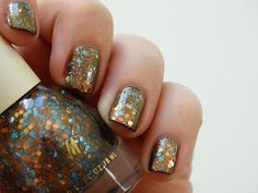 Maria's nail: 414. H&M; - Space Race and Verdigris
