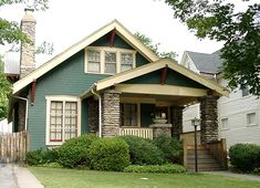 Craftsman Bungalow Exterior, House Paint Exterior, Craftsman Bungalows, Craftsman Homes, Craftsman Style, Paint Colors For Home, House Colors, Outside House Paint, Sims House Design