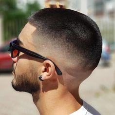 Finding The Best Short Haircuts For Men Popular Mens Hairstyles, Cool Hairstyles For Men, Popular Haircuts, Cool Haircuts, Hairstyles Haircuts, Haircuts For Men, Fresh Haircuts, Modern Hairstyles, Short Fade Haircut