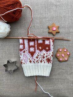 Piparisukka KAL Knitting Socks, Mittens, Coin Purse, Christmas Ornaments, Holiday Decor, Diagram, Knit Socks, Fingerless Mitts, Christmas Jewelry
