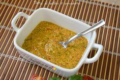 Oggi un gustosissimo pesto al basilico e pomodorini, utilissimo per condire la pasta ma anche come salsa di accompagnamento.