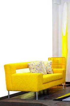 Veja 20 modelos de sofá amarelo para inovar na decoração - Terra Brasil