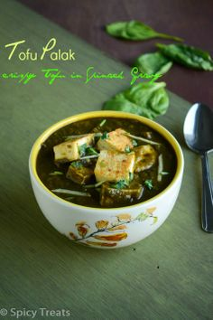 Spicy Treats: Tofu Palak / Spinach Tofu / Crispy Tofu In Spinach Gravy ~ Healthy Vegan Curry