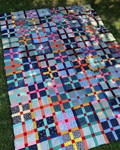 Love Laugh Quilt: Monday Making Quilts For Men Patterns, Quilt Patterns, Picnic Blanket, Outdoor Blanket, Quilting Projects, Quilting Ideas, Plaid Quilt, Man Quilt, Hand Quilting
