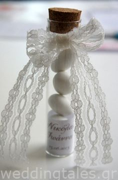 Simple and chic wedding favour for your guests with a romantic touch! By @Tina Doshi Martina
