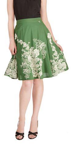 full floral skirt http://rstyle.me/n/mc7n9r9te