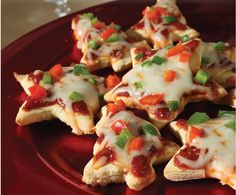 You ve shopped and wrapped gifts all day and now friends are stopping by for a glass of wine and a nosh. What to serve? Take a few minutes and whip up these holiday mini pizzas. Pair a gluten-free pizza crust mix with your favorite toppings for an appealing hot appetizer that s home-baked and delicious. The perfect accompaniment to a glass (or two!) of cheer.