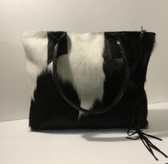 KUHIE, Kuhfelltasche in schwarz-weiss von Gmischtesach: The bag with the cow. auf DaWanda.com