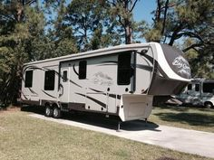 2013 Heartland RV Big Country http://www.rvregistry.com/used-rv/1007275.htm