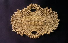 """Little tray"" doily from 99 little doilies Patricia Kristoffersen Doilies, Elf, Crochet Earrings, Tray, Handmade, Jewelry, Fashion, Moda, Hand Made"