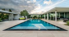 mirror-like pool by piscines carre bleu