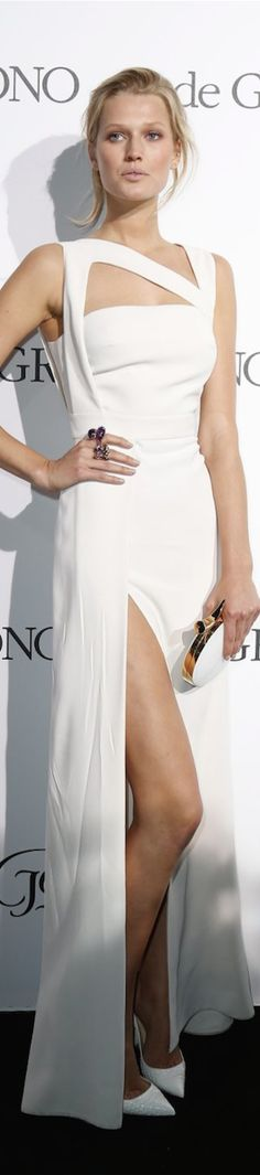 Toni Garrn in Elie Saab |   ✤ LadyLuxury ✤  jaglady