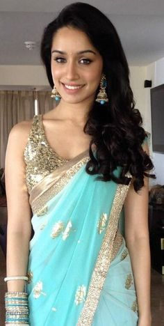 Shraddha Kapoor looks beautiful in this aqua sari! Beautiful Saree, Beautiful Indian Actress, Indian Attire, Indian Wear, Indian Style, India Fashion, Asian Fashion, Indian Dresses, Indian Outfits