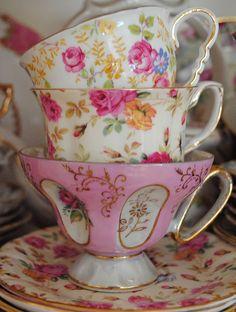 Lovely tea cups! via Chantelle Green