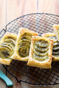 Pesto Potato Pastries - Sfogliatine di patate - Ricetta di @tavolartegusto