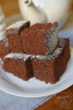 Ciasto czekoladowe na powidłach - łatwe ciasto czekoladowe Quesadilla, Menu, Cooking Recipes, Sweets, Food, Kitchens, Polish Food Recipes, Kuchen, Menu Board Design