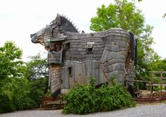 A Trojan horse shaped hotel in Belgium http://whenonearth.net/hide-relax-real-life-trojan-horse-belgium/