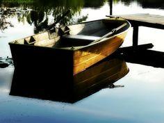 um barco bem vagaroso em busca de férias... by Odete Paula on 500px