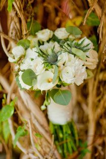 This #green bouquet adds a touch of color to your #wedding day.