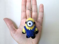"MINI MINION (from the movie ""Despicable me"") To use everywhere! Car, Keychain, backpack! Please, do not sell this pattern, sell only the amigurumi :) Yarn colors you are going to use: &…"