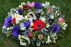 Anemone wreath www.thestockbridgeflowercompany.co.uk