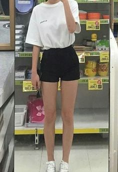 i wish i was this skinny Skinny Inspiration, Body Inspiration, Get Skinny, Skinny Girls, Teen Fashion, Korean Fashion, Fashion Outfits, Grunge, Summer Outfits For Teens