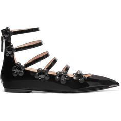 Fendi Embellished floral-appliquéd patent-leather point-toe flats ($785) ❤ liked on Polyvore featuring shoes, flats, black, shiny black flats, flat shoes, floral print flats, pointed toe flats and black pointed toe flats