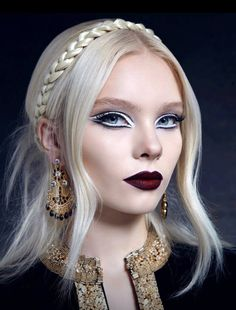 I love this lip color for fall and winter. Wish I could pull it off.