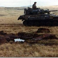 Scorpion CVRT Falklands War pin by Paolo Marzioli Armoured Personnel Carrier, British Armed Forces, Falklands War, Royal Marines, War Image, Modern Warfare, British Army, Cold War, Military History